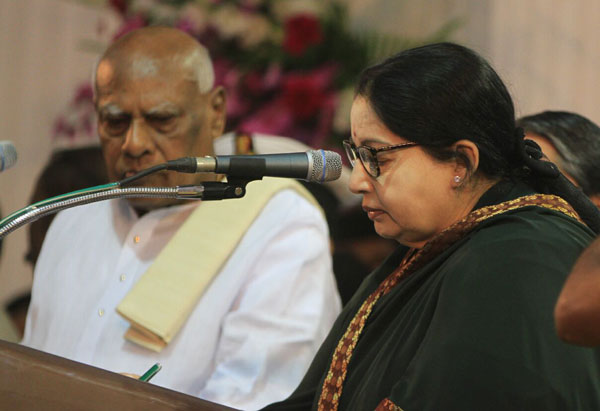 Jaya takes charge as CM for 6th time, clears 5 file, reduce working hours of TASMAC shops