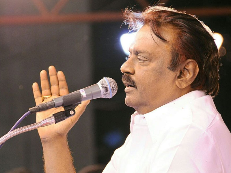 Vijayakanth does it with a difference: Takes ethical voting pledge at temple