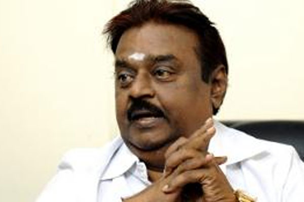 Vijayakanth goes into huddle with DMDK candidates, listen grievances
