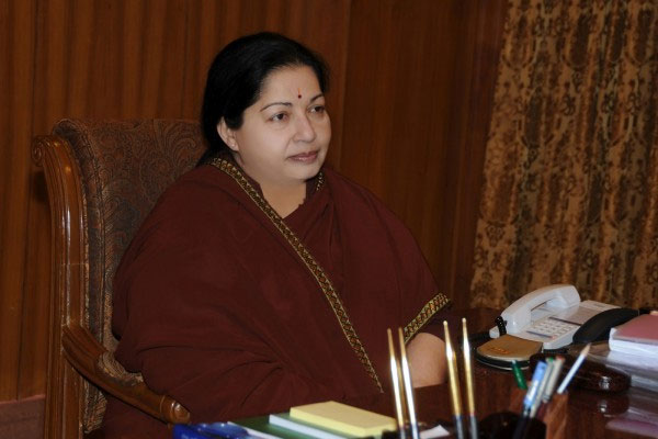 AIADMK EC passes 14 resolutions; hails Jaya, urges Centre to protect TN's rights