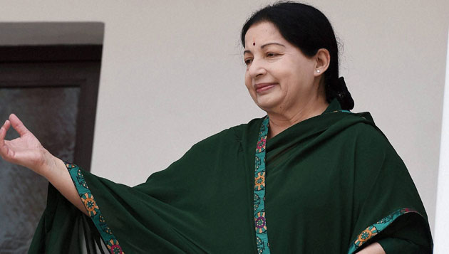 Jaya makes Rs 500 crore announcements for students in TN