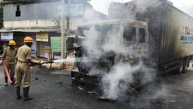 Violence on a high in K'taka: Tamils, properties attacked; buses, lorries burnt