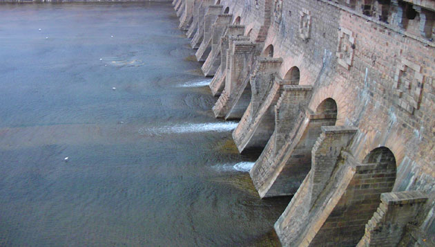 Cauvery: TN strongly protests Centre's move, Karnataka relents