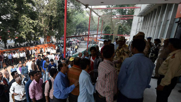 ATMs open today, huge rush in morning itself