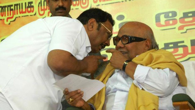 Alagiri meets Karunanidhi, says 'Kalaignar is fine'