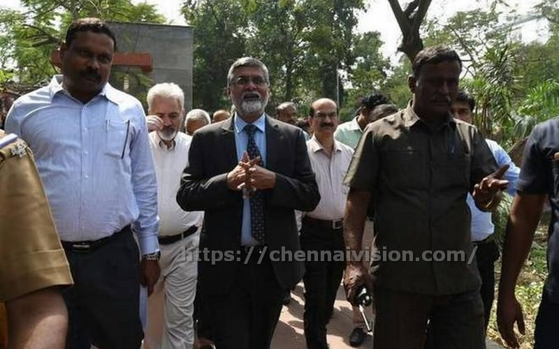 Central team meets CM, visits cyclone-hit areas