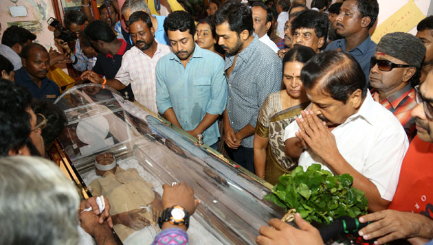 Kollywood mourn for Cho