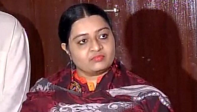 Natarajan trying to lure me with sweet words: Deepa
