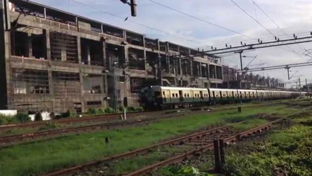 7 fall from moving train in Chennai, 3 killed