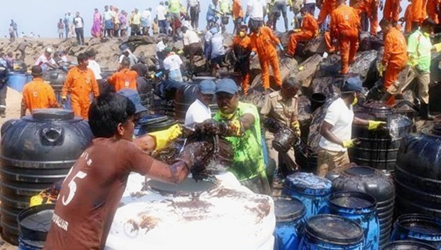 Oil Spill: 30,000 fishermen families to get Rs 15 crore as relief