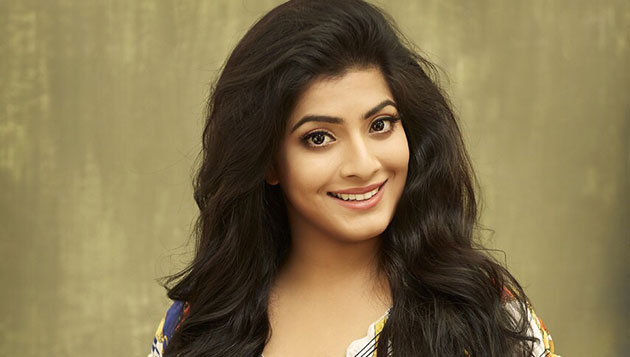 Varalaxmi alleges harassment by TV channel head