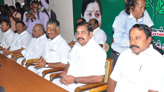 AIADMK gen council on Sept 12 to remove Sasikala and family