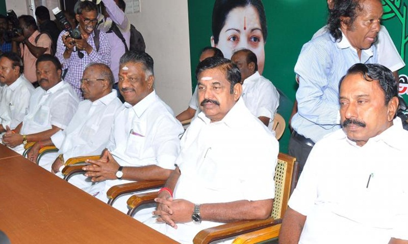 AIADMK general council meeting; TTV teams warns office-bearers, moves HC