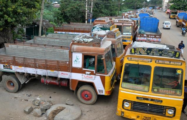 Lorry strike continues, Rs 5,000 cr worth goods affected in TN