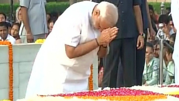 PM pays tributes to former Prime Minister Mrs. Indira Gandhi, on her death anniversary