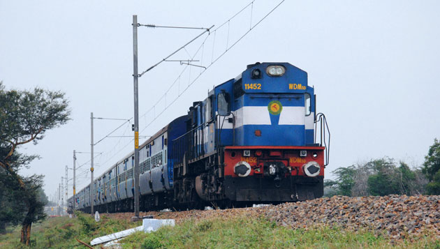 Special fare special train from Chennai Central to Pune o­n 07th October, 2017