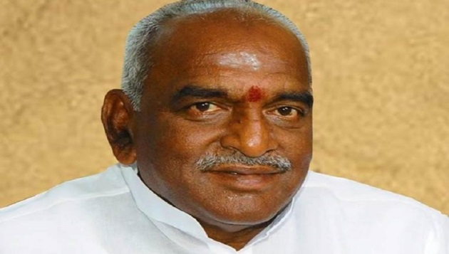 Don't blame Centre for Two Leaves issue: Pon Radhakrishnan