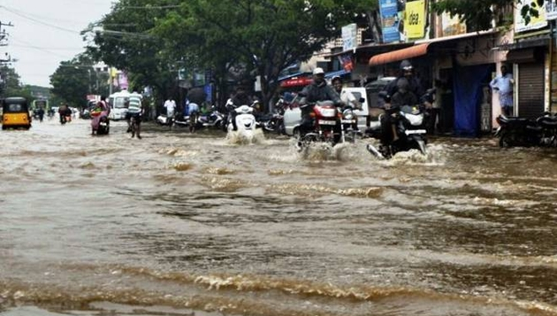 Heavy rains to continue, 5 killed, govt sets up special teams, oppn want more