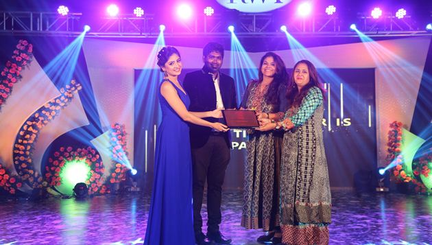 Actors Sakshi Agarwal, Poonam Kaur and more at The Luxury Affair by Razzmatazz
