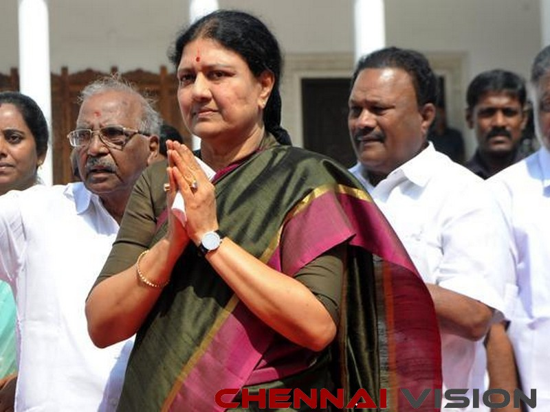 Sasikala to be back in AIADMK?