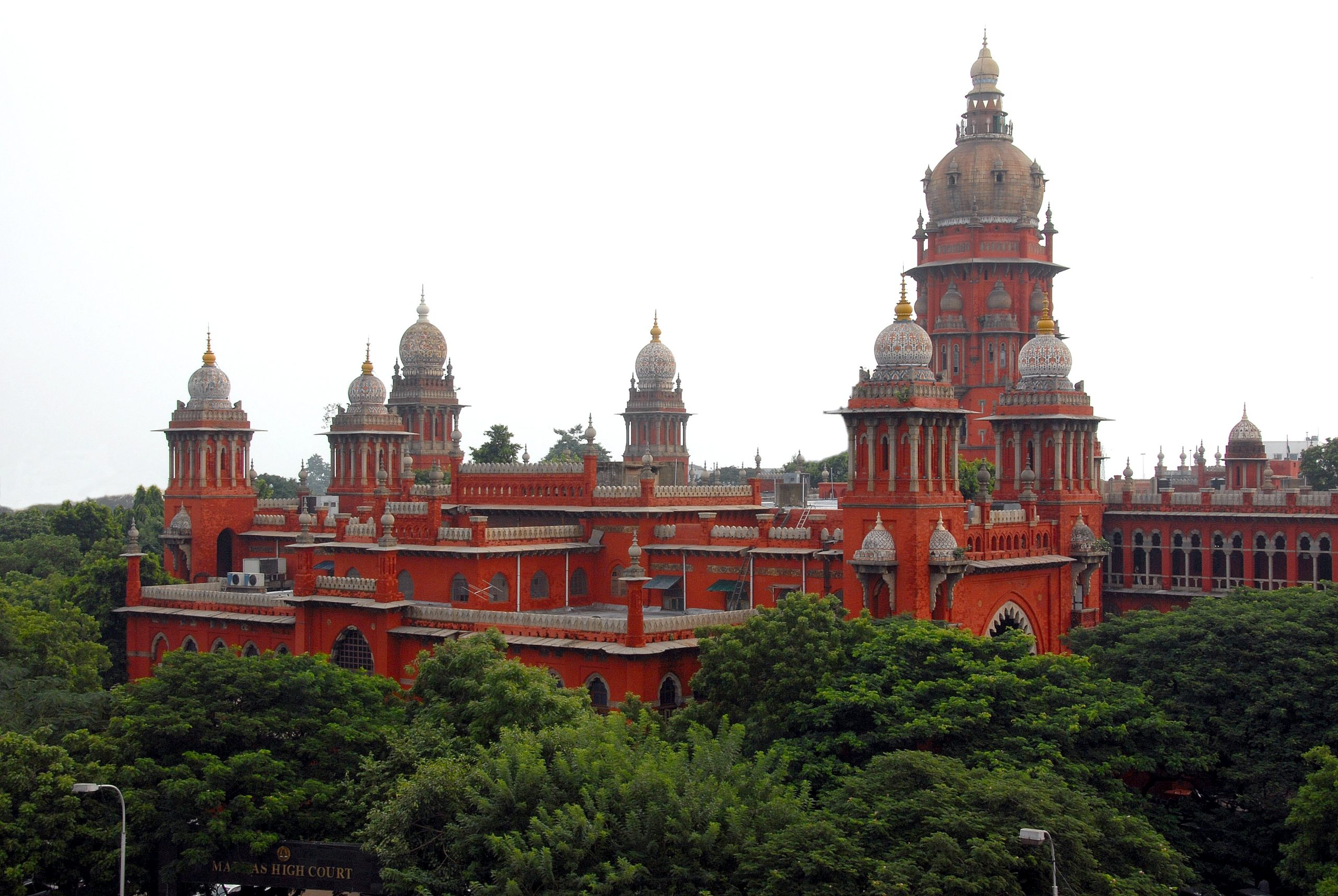 High Court directs TN government to regulate online classes