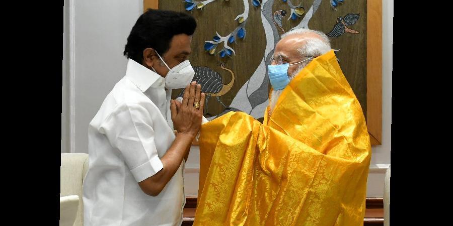 Stalin meets Modi, presents memorandum with 25 demands